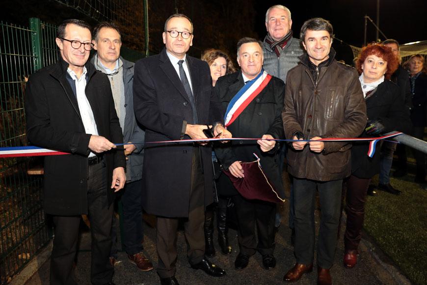 Inauguration du terrain de football synthétique à Fraisses