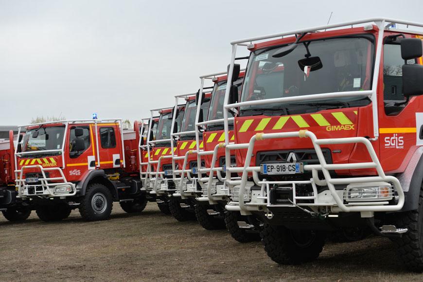 9 nouveaux camions citernes fabriqués à Roanne pour le SDIS