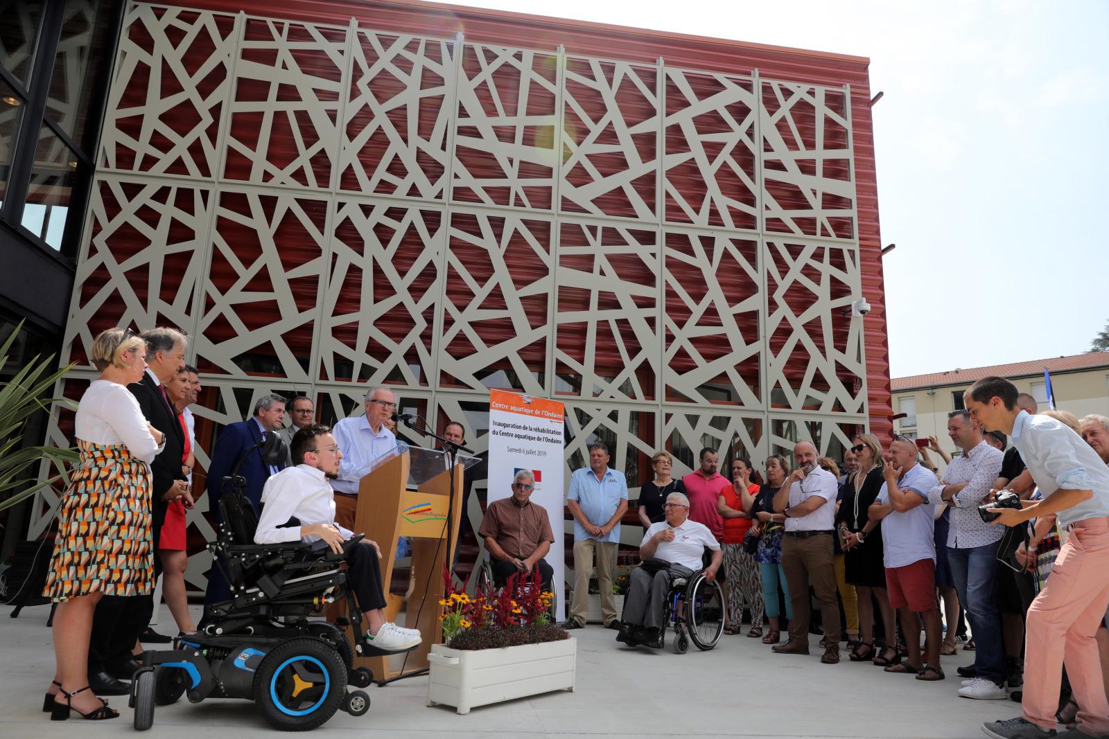 Le nouveau centre aquatique de l'Ondaine inauguré