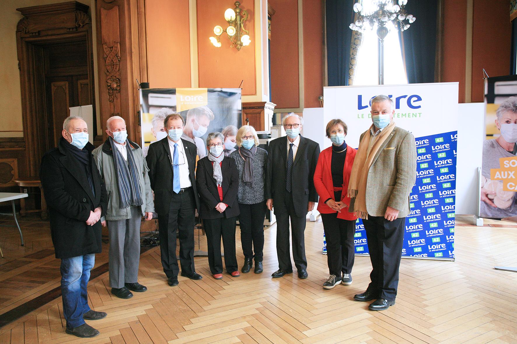 https://www.loire.fr/jcms/lw_1338340/le-departement-aux-cotes-des-associations-caritatives?xtor=RSS-40